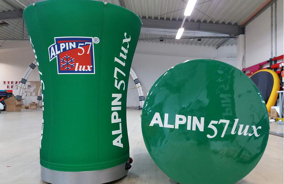 Mese personalizate gonflabile Axion Table client Alpin 57 Lux